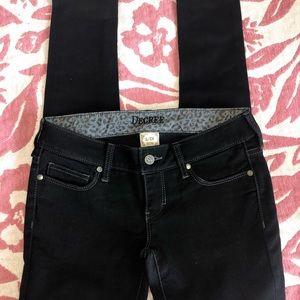 Dark black skinny jeans